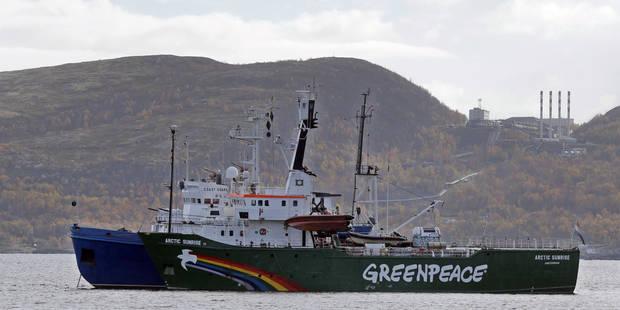 """""""Piraterie"""" en Russie: des militants de Greenpeace risquent 15 ans de prison - La Libre"""
