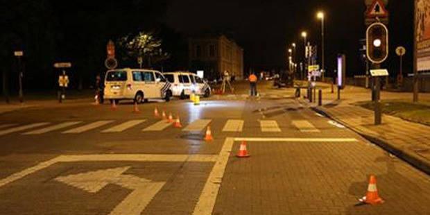 """Anvers pleure un élève altruiste poignardé """"pour rien"""""""