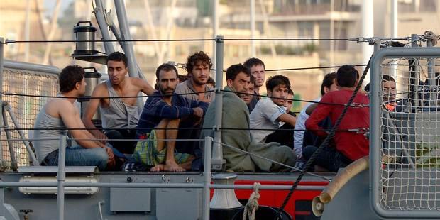400 immigrés secourus dans le canal de Sicile - La Libre