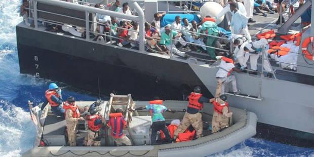 Un navire militaire américain porte secours à 128 migrants - La Libre