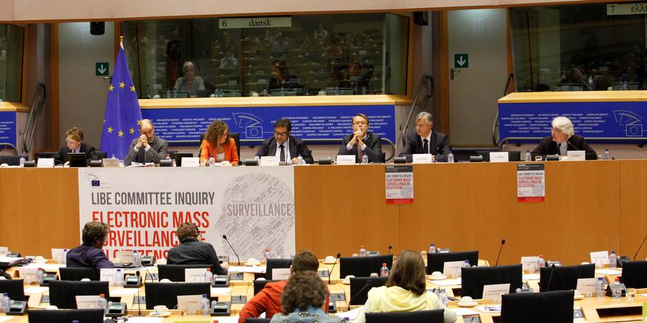 Espionnage: le Parlement européen demande la suspension d'un accord avec les Etats-Unis