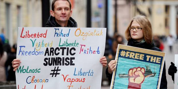 Un militant de Greenpeace dénonce ses conditions de détention en Russie - La Libre