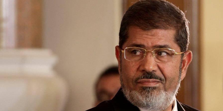 Egypte: Morsi défie le tribunal, se dit toujours président