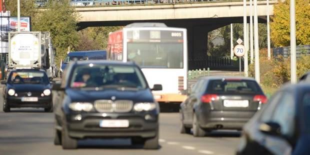 Près de dix mille personnes surprises au volant sans permis de conduire en 2012 - La Libre
