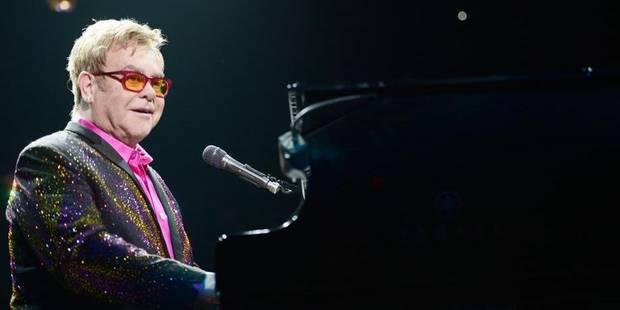 Elton John appelle la Russie à mettre fin aux discriminations contre les gays - La Libre