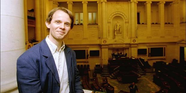 Après 10 ans, Decroly fait son retour politique au parti Vega - La Libre