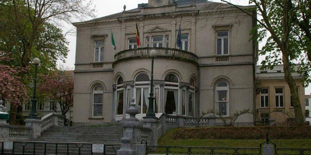 Ixelles: un fonctionnaire détourne près de 500.000 euros - La Libre