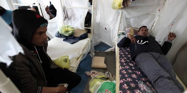 Lampedusa: une vidéo dénonce des mauvais traitements infligés aux migrants - La Libre