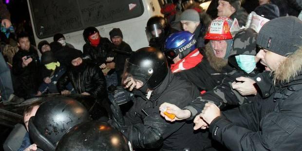 Un leader de l'opposition battu lors d'une manifestation à Kiev - La Libre