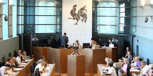Le Fonds d'investissement pour les communes wallonnes fait l'unanimité au parlement - La Libre