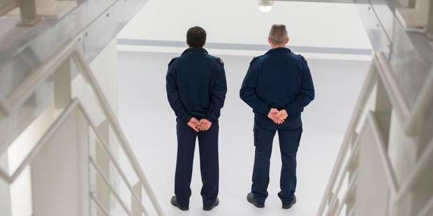 Les fouilles au corps systématiques de détenus sont illégales - La Libre