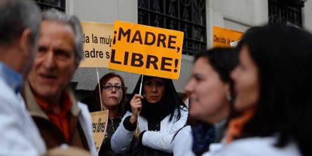 Les manifestations pour le droit à l'avortement font le tour de l'Europe - La Libre