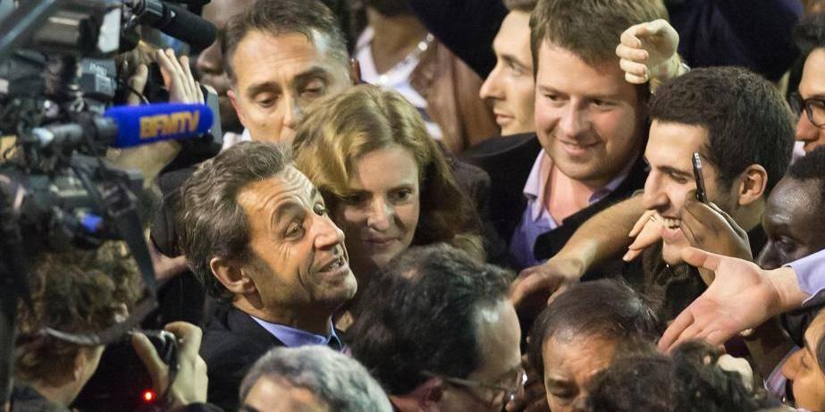 Paris: Nicolas Sarkozy ovationné au premier meeting de NKM