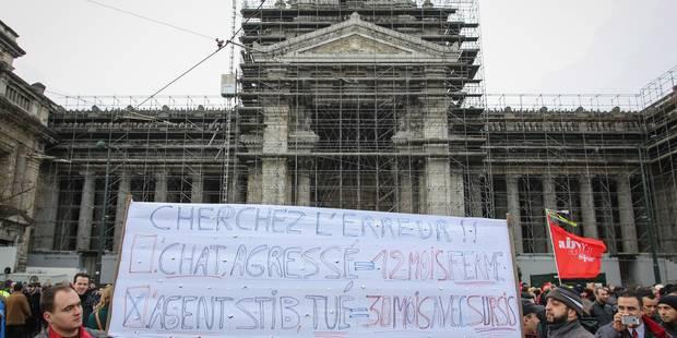 Grève à la Stib: un millier d'agents ont manifesté devant le Palais de justice - La Libre