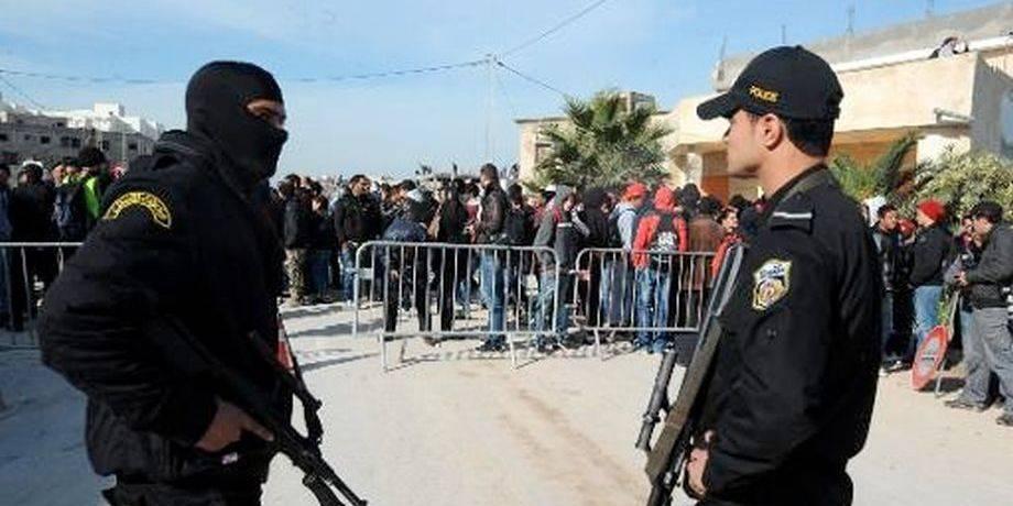 Tunisie: quatre personnes tuées par un groupe armé