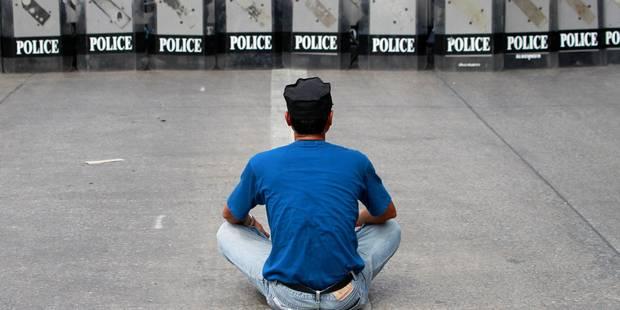 Le siège du gouvernement thaïlandais assiégé - La Libre