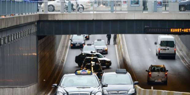 Deux voitures du service de covoiturage urbain Uber saisies à Ixelles - La Libre