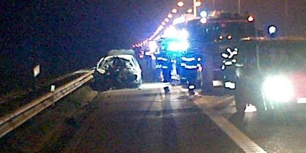 Une voiture percute un camion et prend feu: sept morts sur la E314 - La Libre