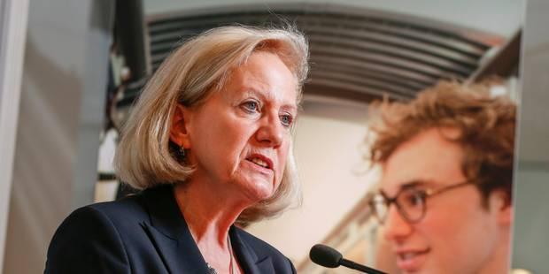 Uber: Grouwels en guerre contre la commissaire Neelie Kroes - La Libre
