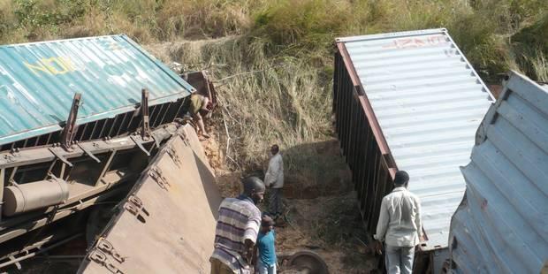 Accident de train en RDC: la Croix-Rouge parle de 100 à 200 inhumations - La Libre
