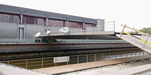 """Charleroi: une """"placerelle"""" entre les deux rives - La Libre"""