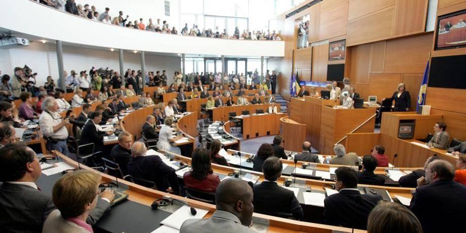 Plus d'un quart des élus au Parlement bruxellois d'origine extraeuropéenne - La Libre