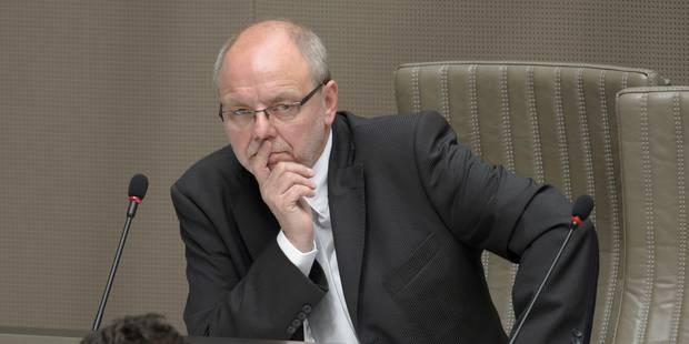 Christian Van Eyken (UF) conserve son siège au Parlement flamand - La Libre