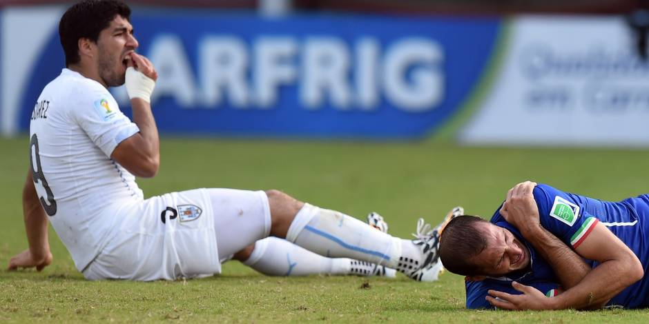 Coupe du monde: Suarez et Balotelli, fossoyeurs de leur équipe ?