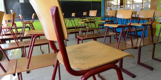 """Inscriptions dans le secondaire: 318 élèves toujours """"sans école"""" - La Libre"""
