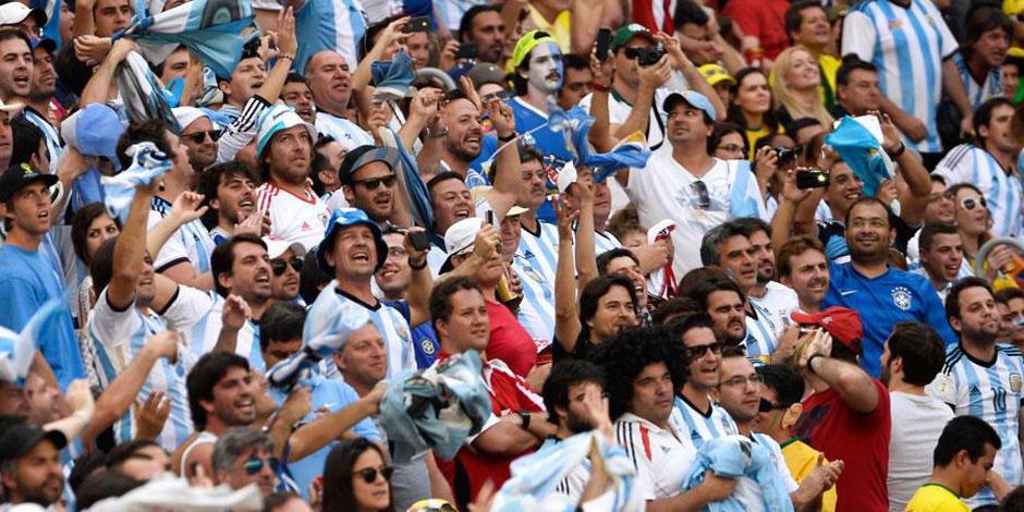 Dans les tribunes du stade Garrincha de Brasilia, un match dans le match - La Libre