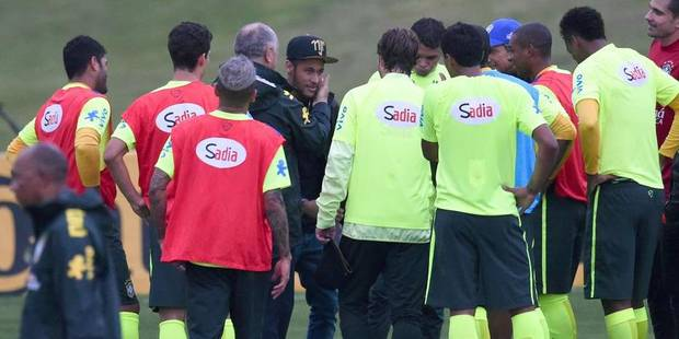 Neymar rend visite à l'équipe brésilienne - La Libre