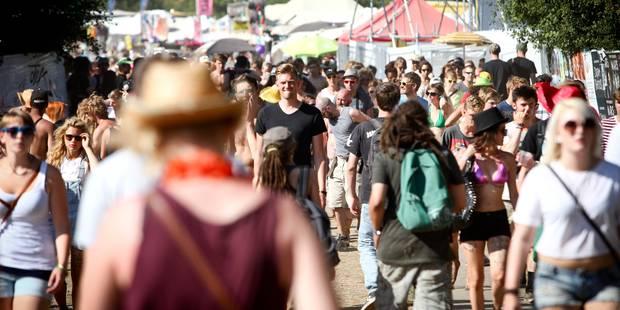 Entre 20.000 et 25.000 campeurs attendus mercredi au Festival de Dour - La Libre