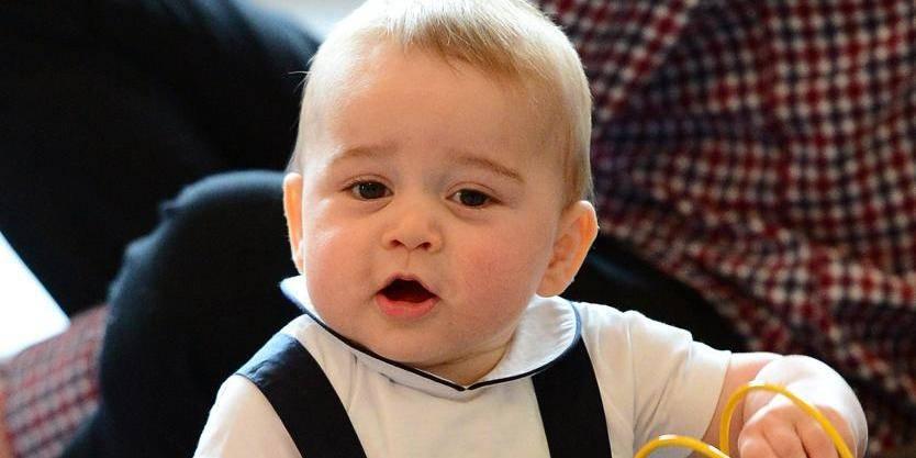 Le Prince George, bientôt un an et bien sur ses pieds