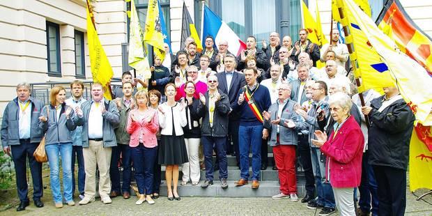 Namur: les présidents de quartiers ont reçu les clés de la Ville - La Libre