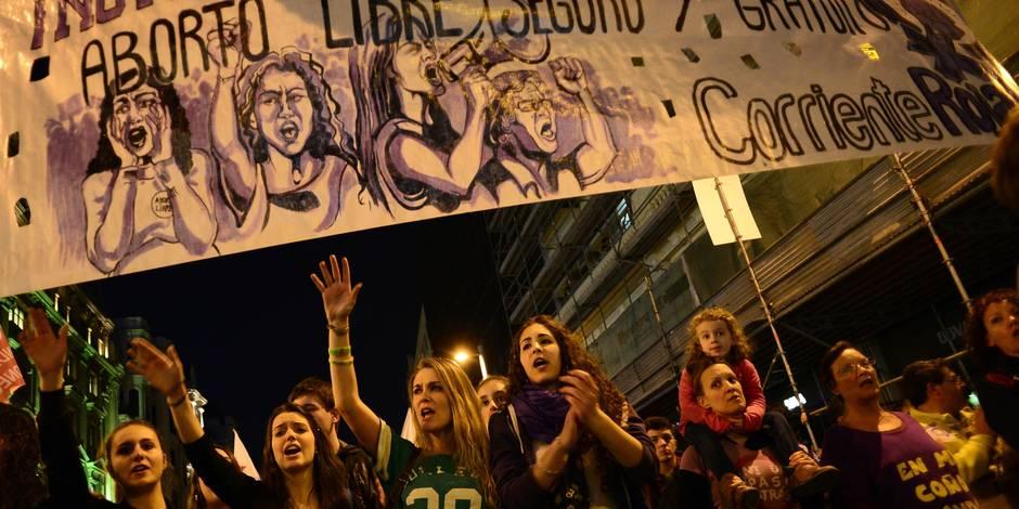 Face à la polémique, Madrid retire son projet de loi sur l'avortement