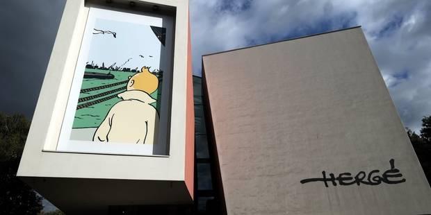 Il bouge ses meubles... et retrouve une planche inédite de Tintin - La Libre