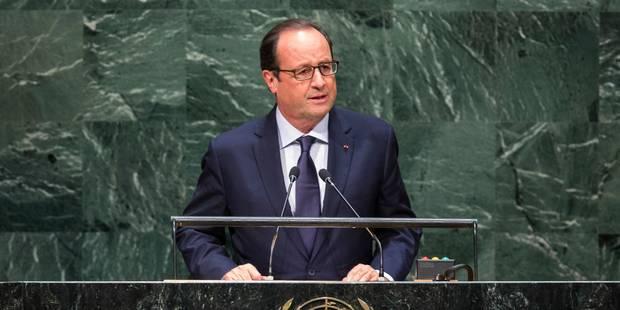 """Otage décapité: pour Hollande, la France """"vit une épreuve"""" mais """"ne cède jamais"""" au chantage - La Libre"""