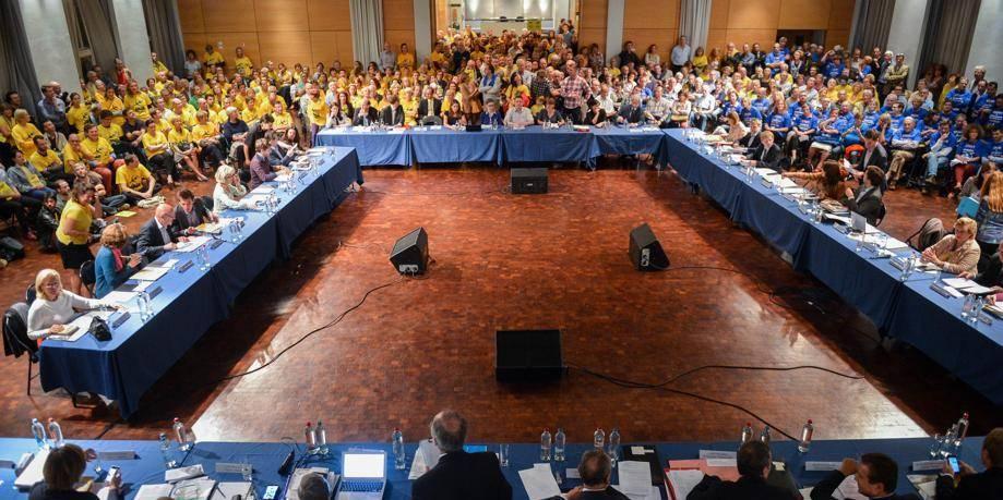 Survol de Bruxelles: le moratoire divise les Wolusanpétrusiens