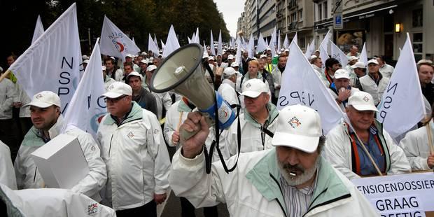 Pensions des policiers : 500 personnes ont manifesté dans le quartier européen - La Libre