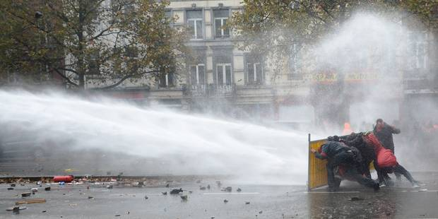 Manifestation nationale: une plainte déposée pour violences policières - La Libre