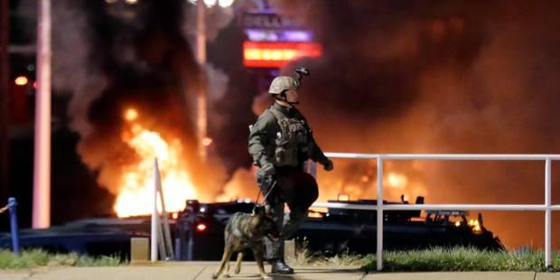 Ferguson: la police cible de nombreux tirs, une douzaine d'immeubles incendiés - La Libre