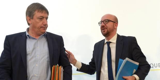 """Le cahier sur la révision de la Constitution? """"Une métaphore"""", minimise Jan Jambon - La Libre"""