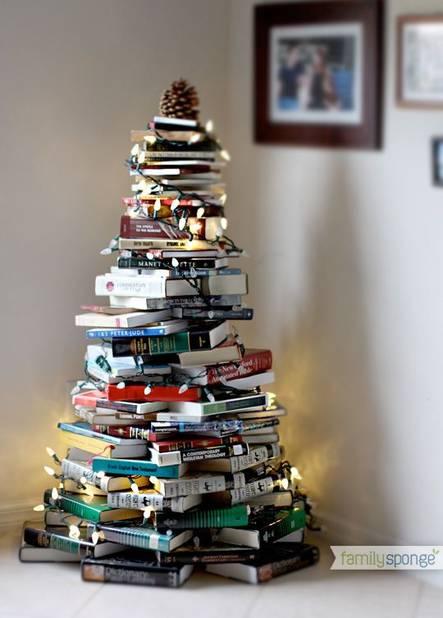 Un sapin qui met en valeur toute votre bibliothèque