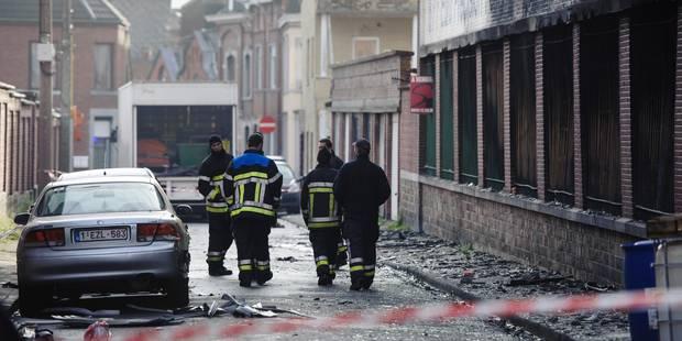Incendie à la FN Herstal: deux reprises de feu dans la nuit - La Libre
