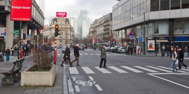 Un jeune agresse un couple Place de Brouckère à Bruxelles - La Libre