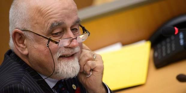 Les députés flamands ne pourront plus prendre gratuitement le bus - La Libre