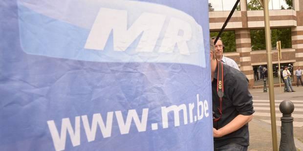 Conseil communal de Namur : une conseillère exclue du groupe MR - La Libre
