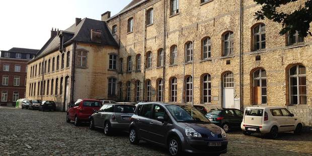 Du bleu depuis 20 ans au collège de Nivelles - La Libre