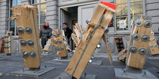 """""""The Passenger"""" est démonté: la circulation rétablie rue de Nimy à Mons - La Libre"""