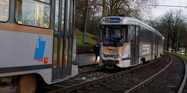 Collision entre deux trams avenue de Tervueren: 6 blessés légers - La Libre